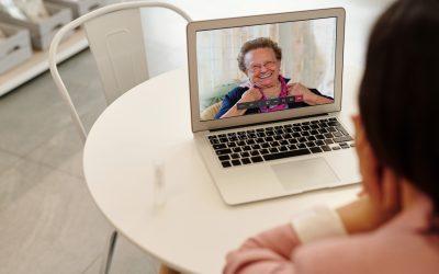 Met iPads en begeleiding bestrijden we het eenzaamheidsvirus